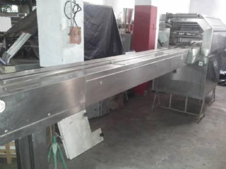 Termoformadora para bandejas plásticas lpra